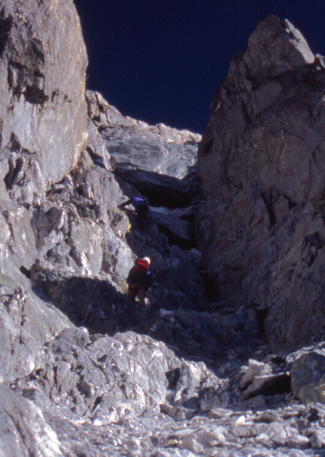 Climbing the couloir on the Ruta Weiss